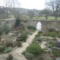 дизайн сада пряных трав (традиционного английского аптекарского огорода)