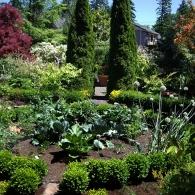 регулярный стиль декоративного огорода