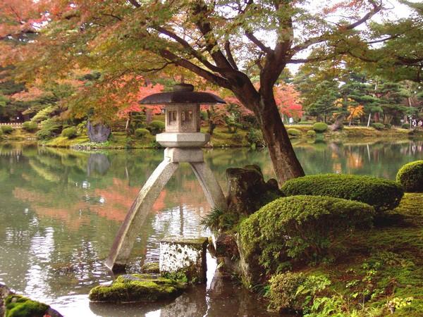 японский сад осенью_фото
